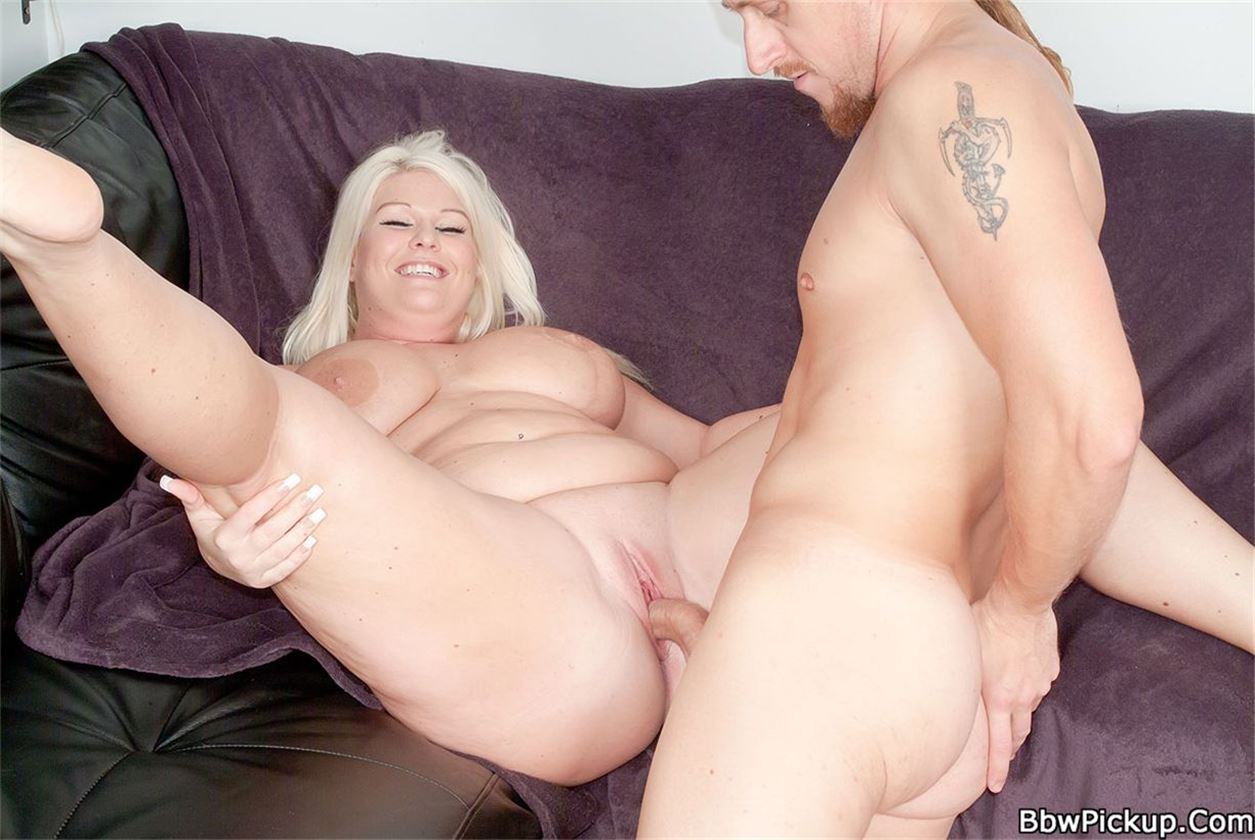 seks-polnoy-blondinkoy
