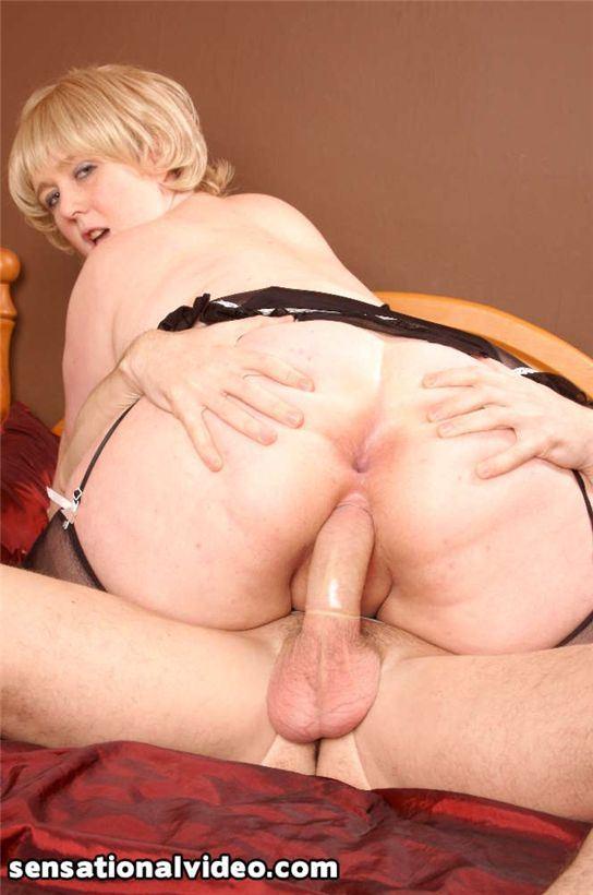 Любительское порно с жирной женой на PornoRussiaTV