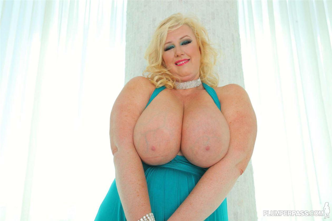 Негр трахает толстую негритянку в жопу - порно в HD на ...