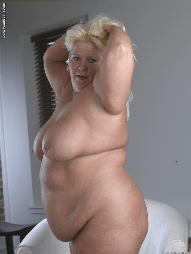 фото голой толстой блондинки