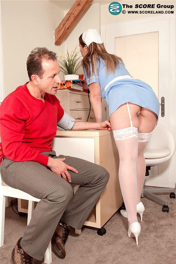 Секс сисястой медсестрой