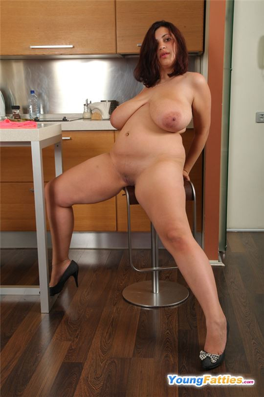 фото толстухи секс на кухне