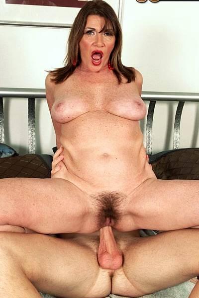 Секс с молодй волосатой вагиной 13 фотография