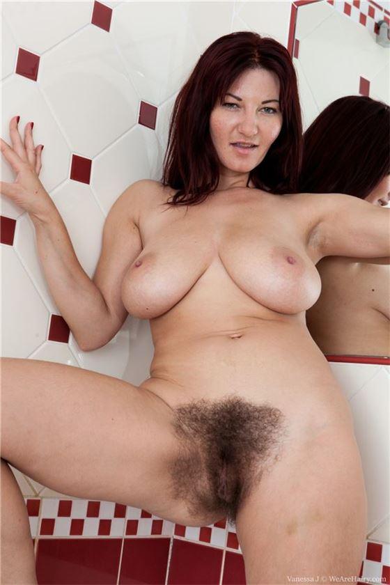 Фото голых волосатых с большой грудью 99365 фотография
