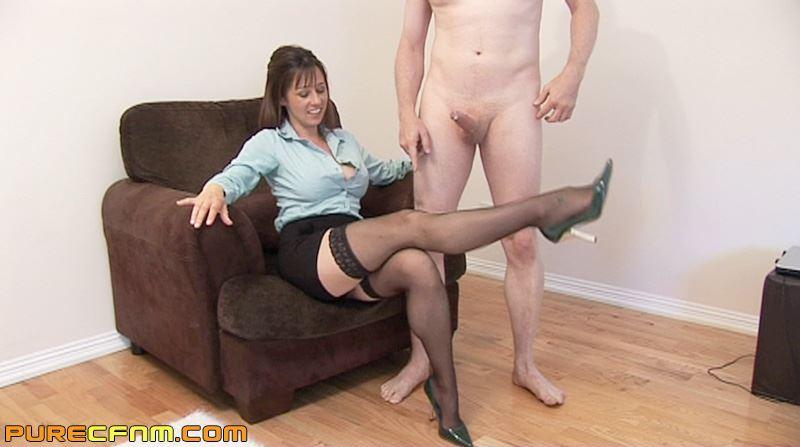 фото дрочит перед женщиной