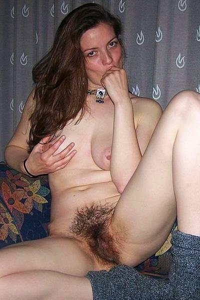 Эротические фото девушки с очень волосатой вагиной