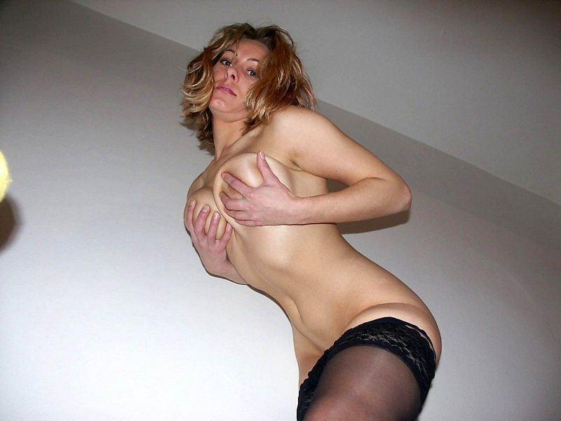 domashnyaya-erotika-s-konchinoy-rakom-rakom-posteli