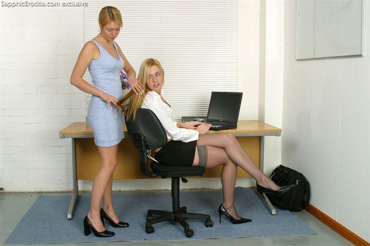 Фото разврат в офисе 4 фотография