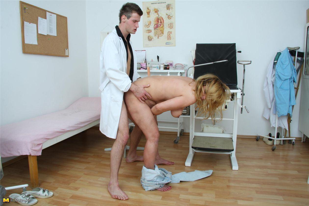 порно у гинеколога украины