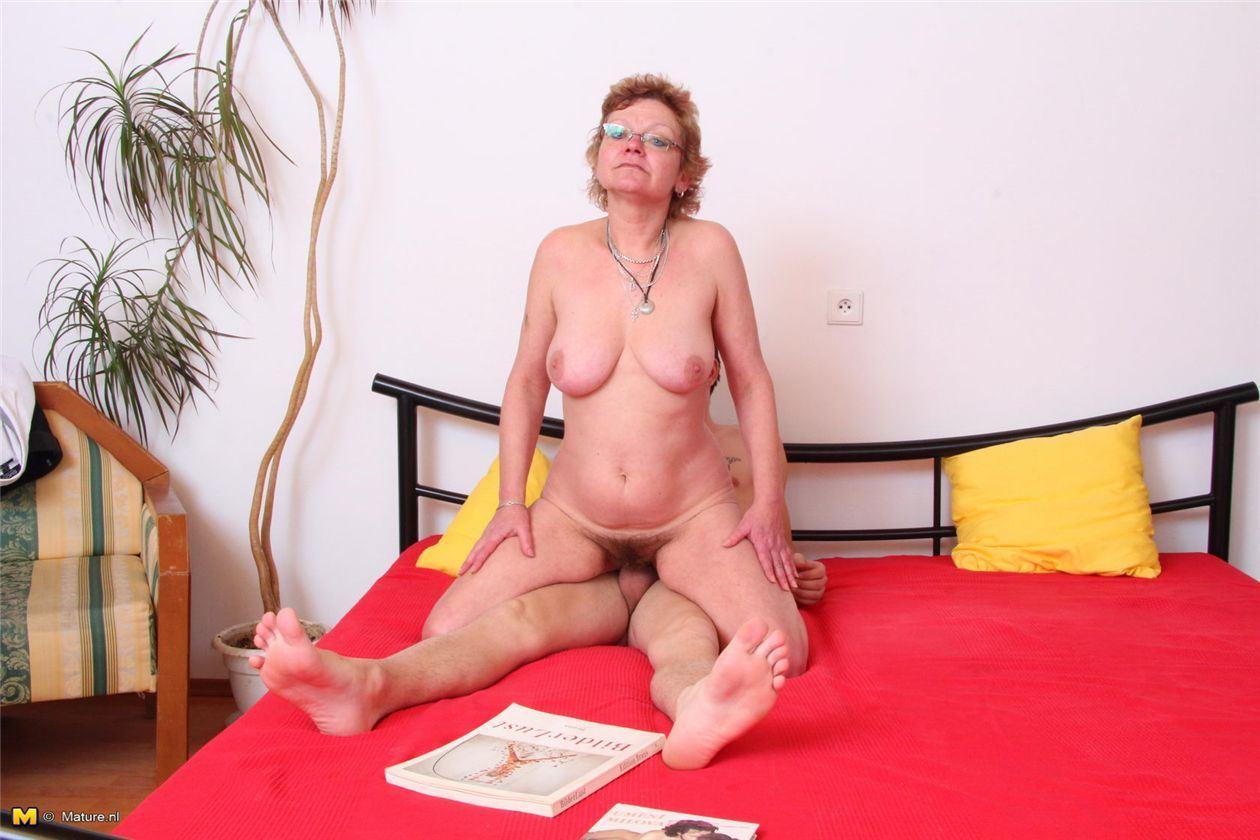 порно фото блондинка ее пизда