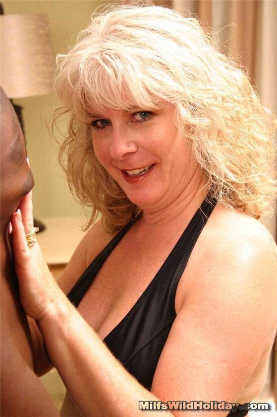порно фото баба с большой жопой в колготках