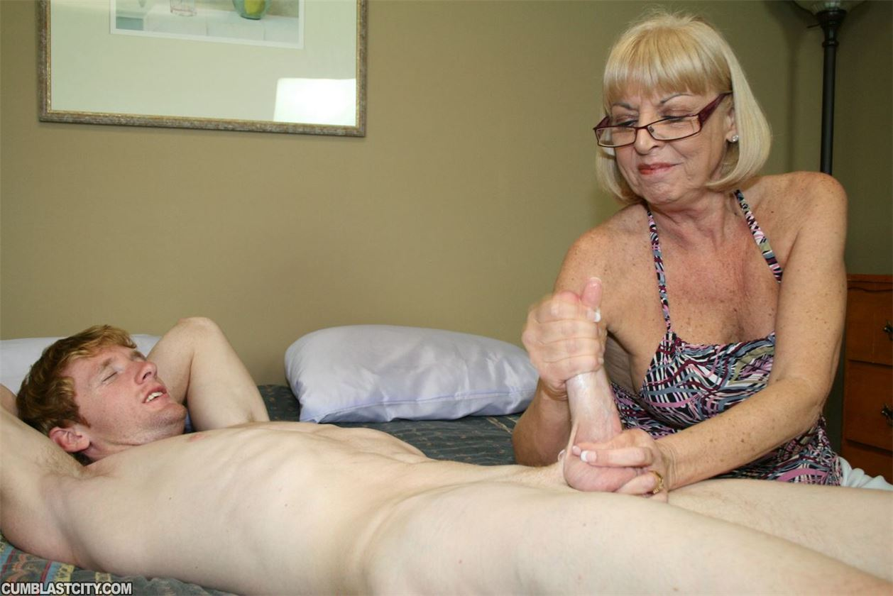 старые женщины дрочат члены-иц2