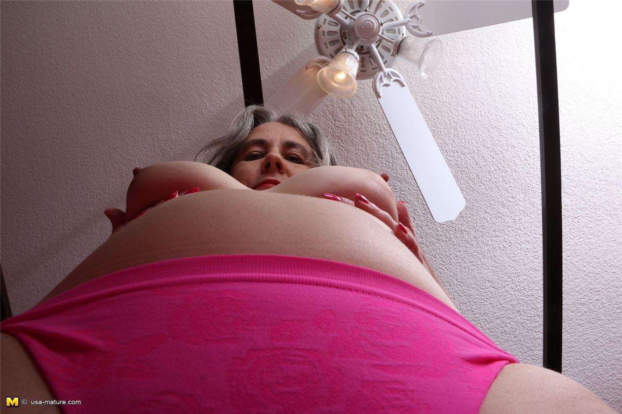 golie-babi-s-mohnatoy-pizdoy-video