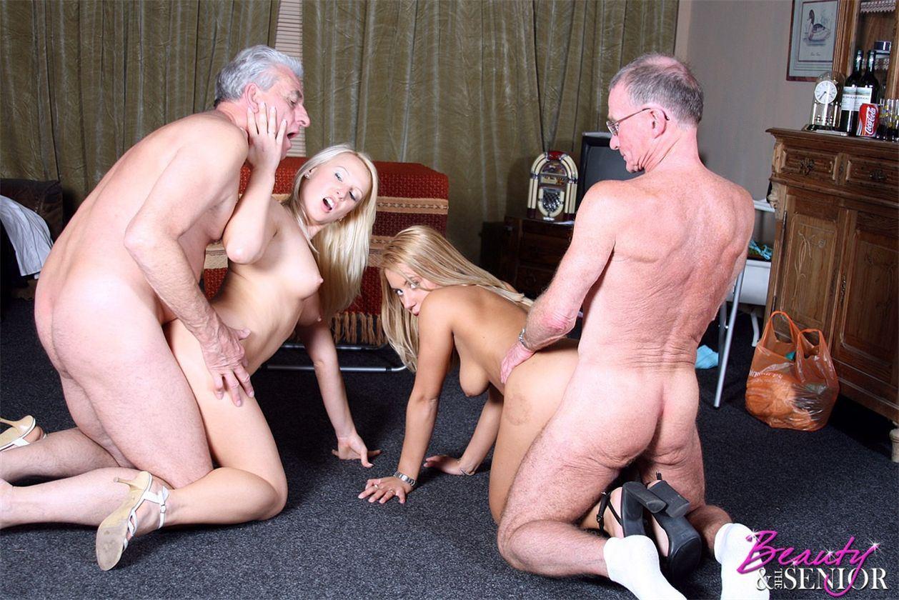 Старая парочка ебёт молодую, Пожилая пара трахает молодую - смотреть порно онлайн 4 фотография