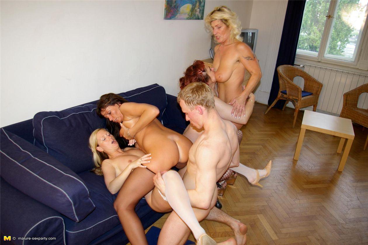 Потрахаться со взрослыми, Лучшее порно Зрелые Женщины - Смотреть бесплатно 4 фотография