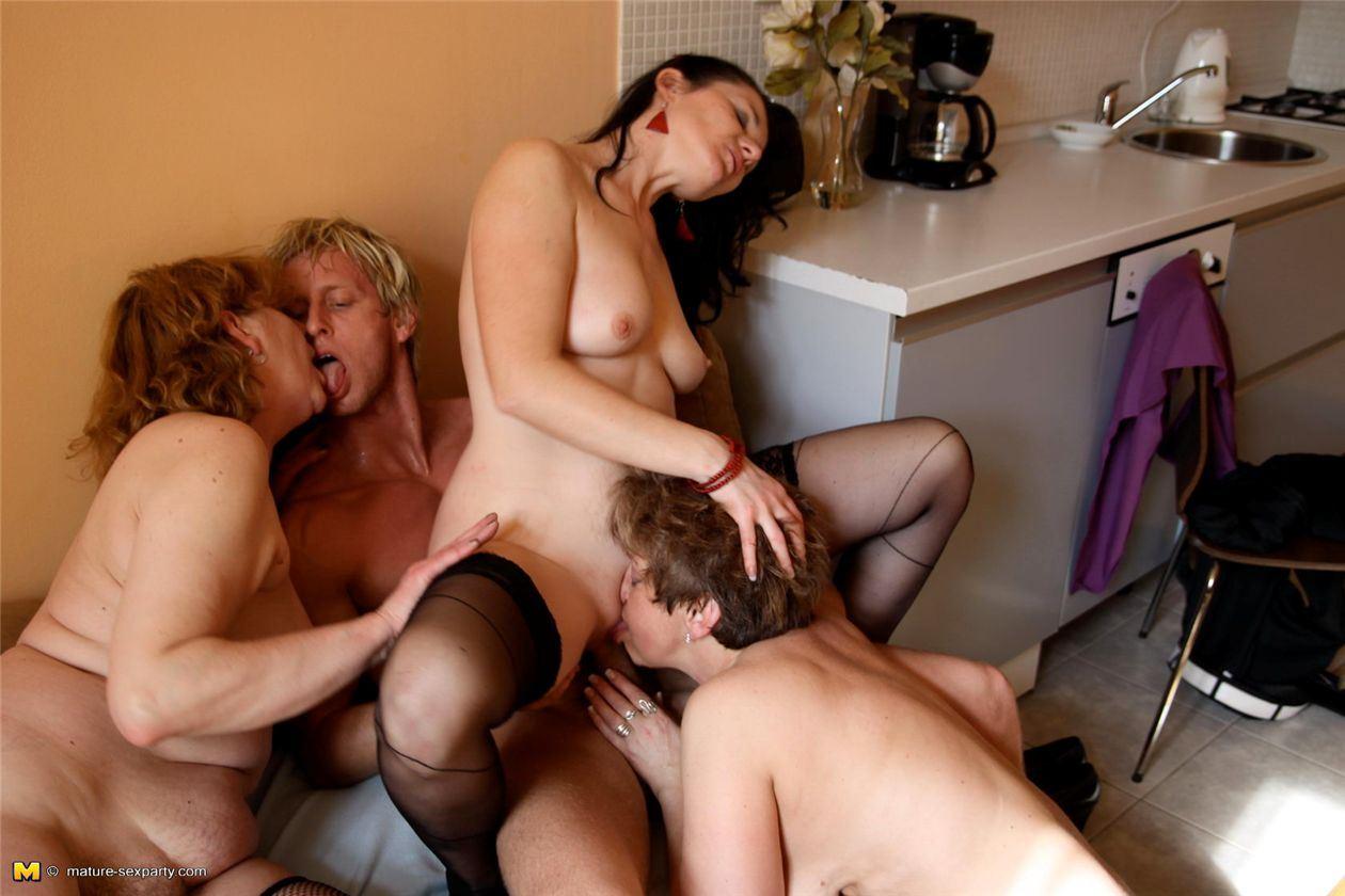 Порно на телефон, 3gp и mp4 форматы эротика, xxx на ...