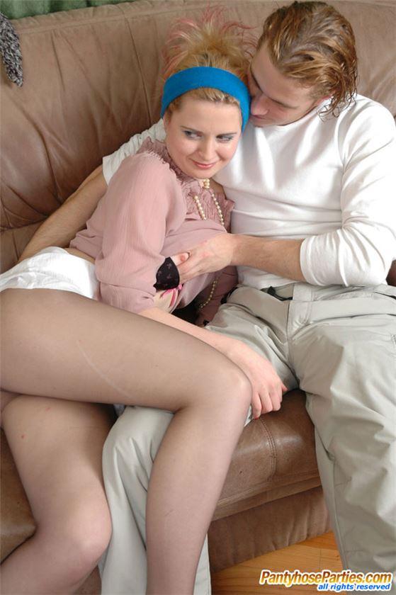 Двое парней разводя девушку на секс