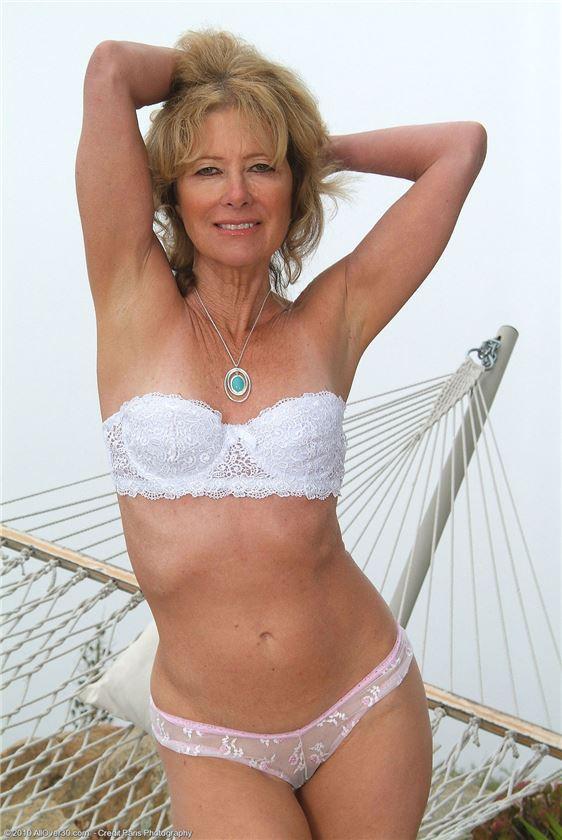 фото голая женщина в возрасте порно