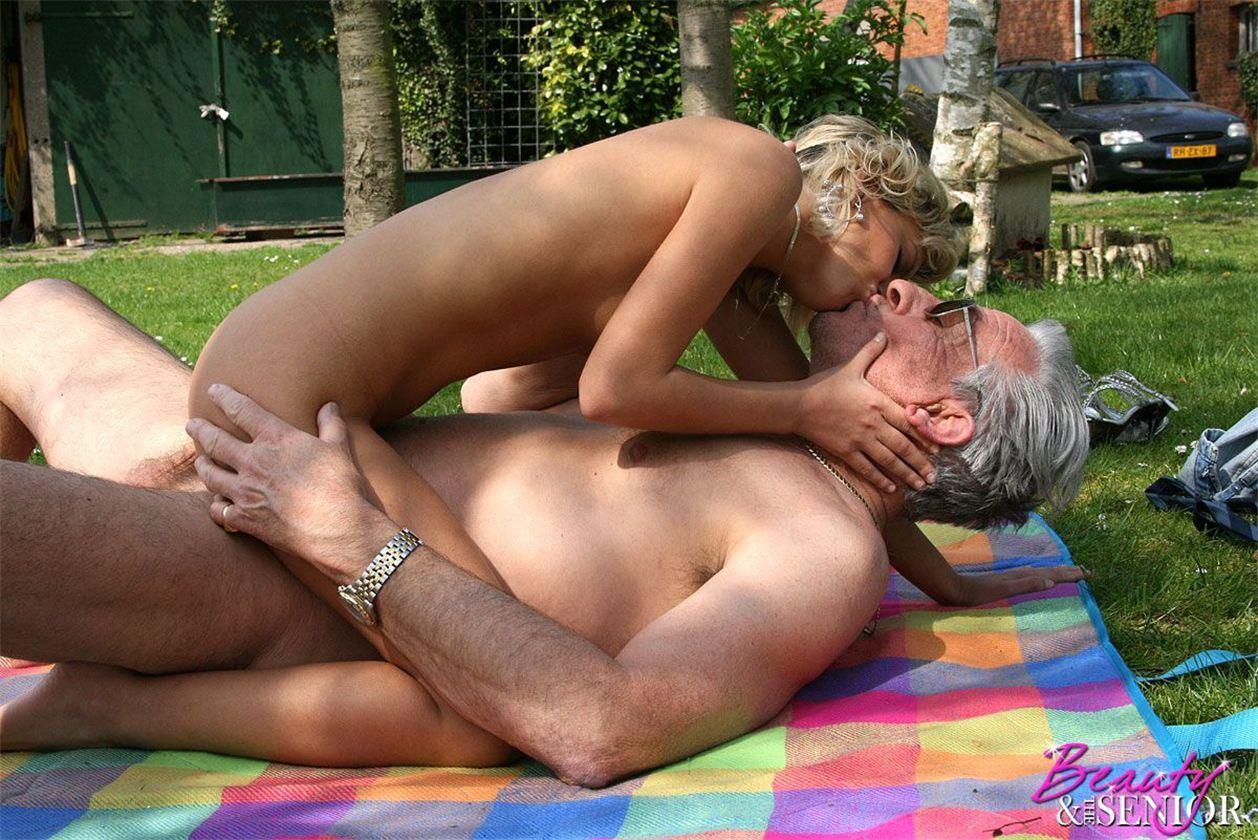 Секс старый мужики 2 фотография