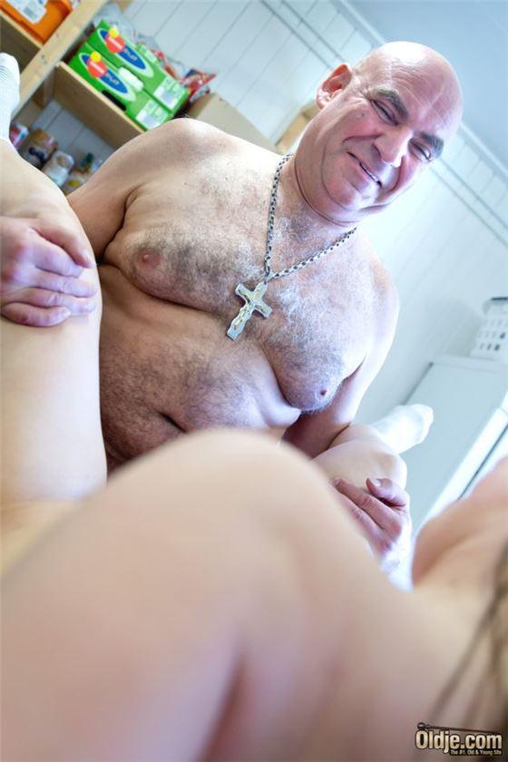 лесбиянки фото порно.зрелые с молодыми