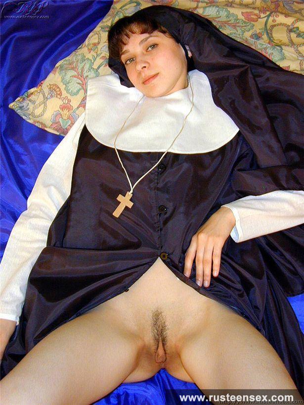 фильмы онлайн порно подглядивание за монашками