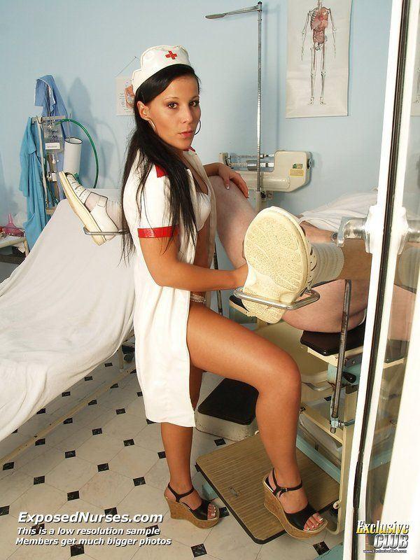 Молоденькая медсестричка порно