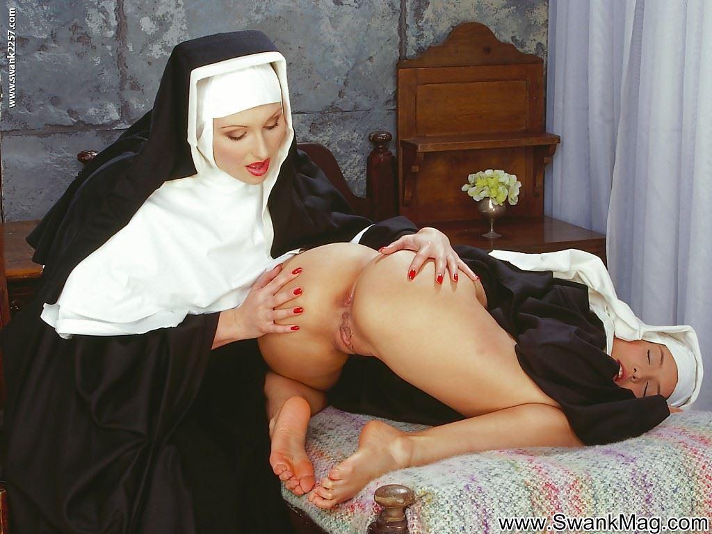 Онлайн порно видео групповуха монашек