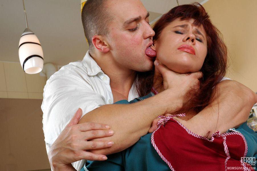 порно фото с молодой мамой друга