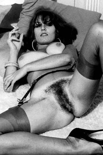 Винтажные фотографии женщин с волосатым лобком