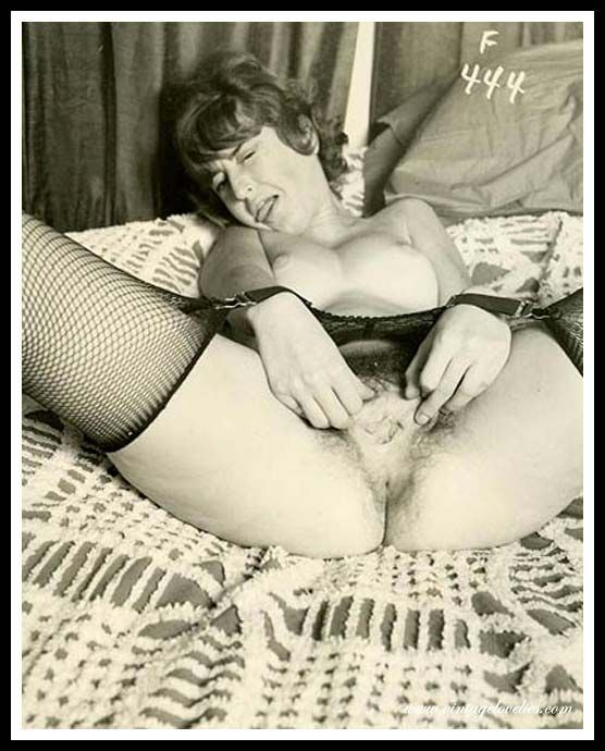 фото сисястых девушек с красивой попкой в чулках
