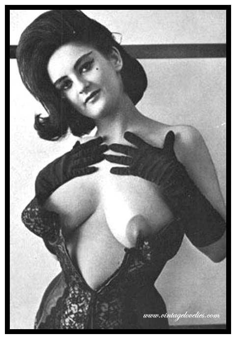 Женщины в старинном нижнем белье порно