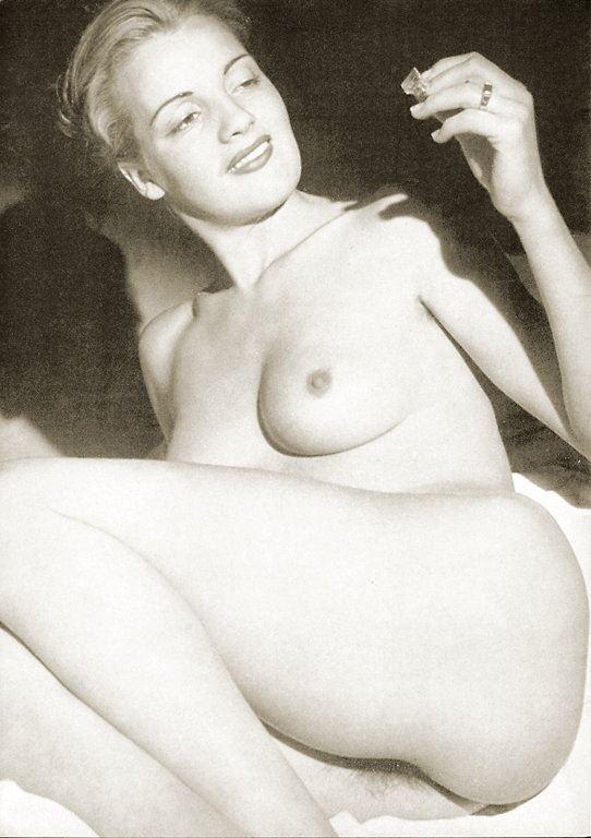 домашнее порно фото большие сиськи стоячие