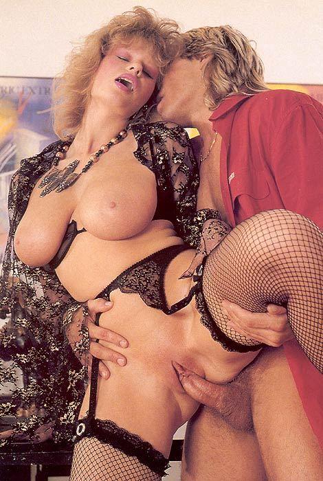 Ретро порно фото грудастых