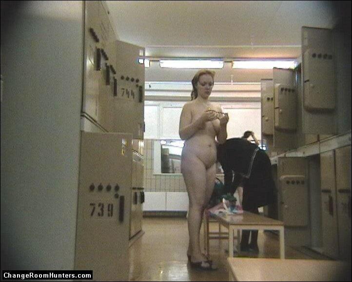 раздевалке скрытая камера