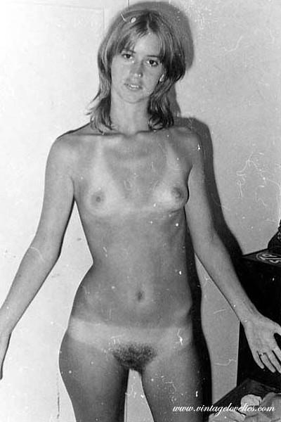 Шикарные голые сиськи на старинных фотографиях